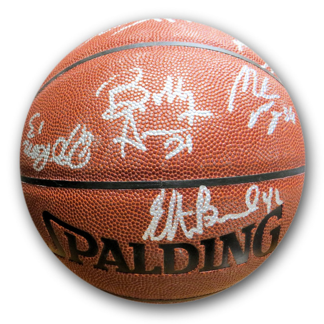 2004-05 Clippers Team Signed Autographed Basketball Brand Maggette GV550307