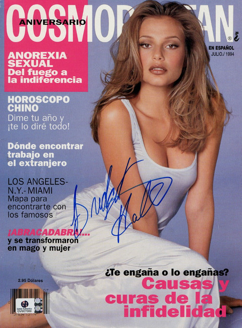 Bridget Hall Signed Autographed Magazine Cosmopolitan Espanol July 1994 GV907089