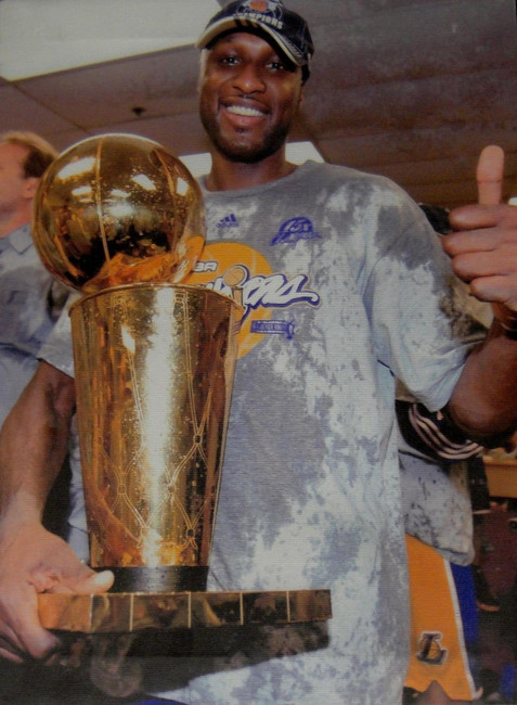 Lamar Odom UnSigned 14x20 Stretched Canvas Los Angeles Lakers with Trophy UDA