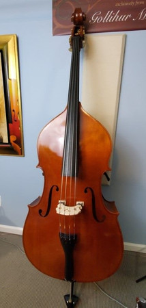 Estle Louis Fully Carved 'Performer' Bass, body