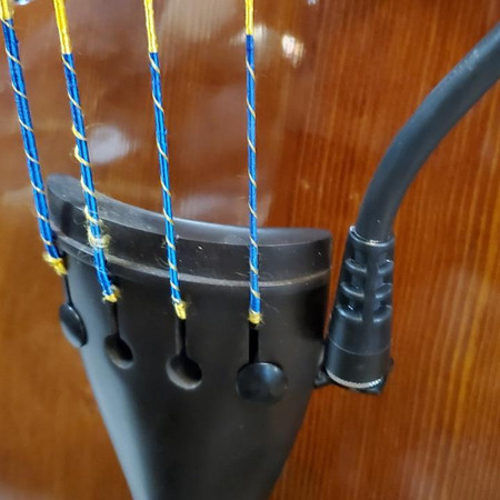 BassOnStage Mk2 Microphone Gooseneck Mount for Upright Bass, installed on bass, side mount closeup