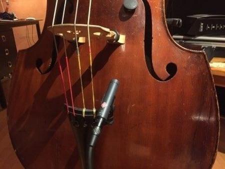 BassOnStage Mk2 Microphone Gooseneck Mount for Upright Bass, installed on bass - side mount, no gooseneck