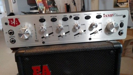 iAMP Classic (1200) Musical Instrument Amplifier, on cab