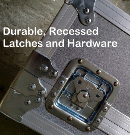 ATA Flight Case for NS Design Basses, locks