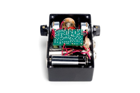 Red-Eye Instrument Preamplifier by Fire-Eye, high view of inside circuits