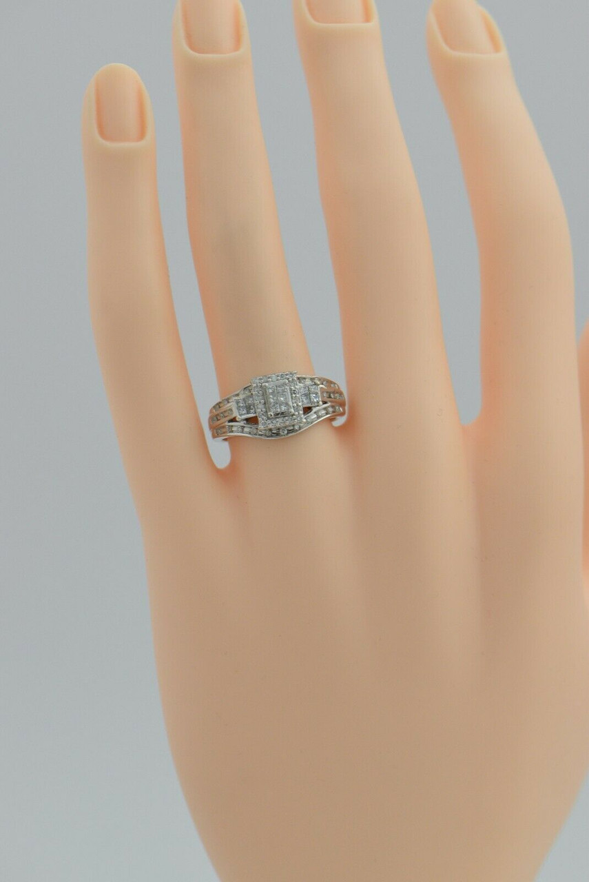 A290 Vintage 10K White Gold Diamond Ring Size 6.75.