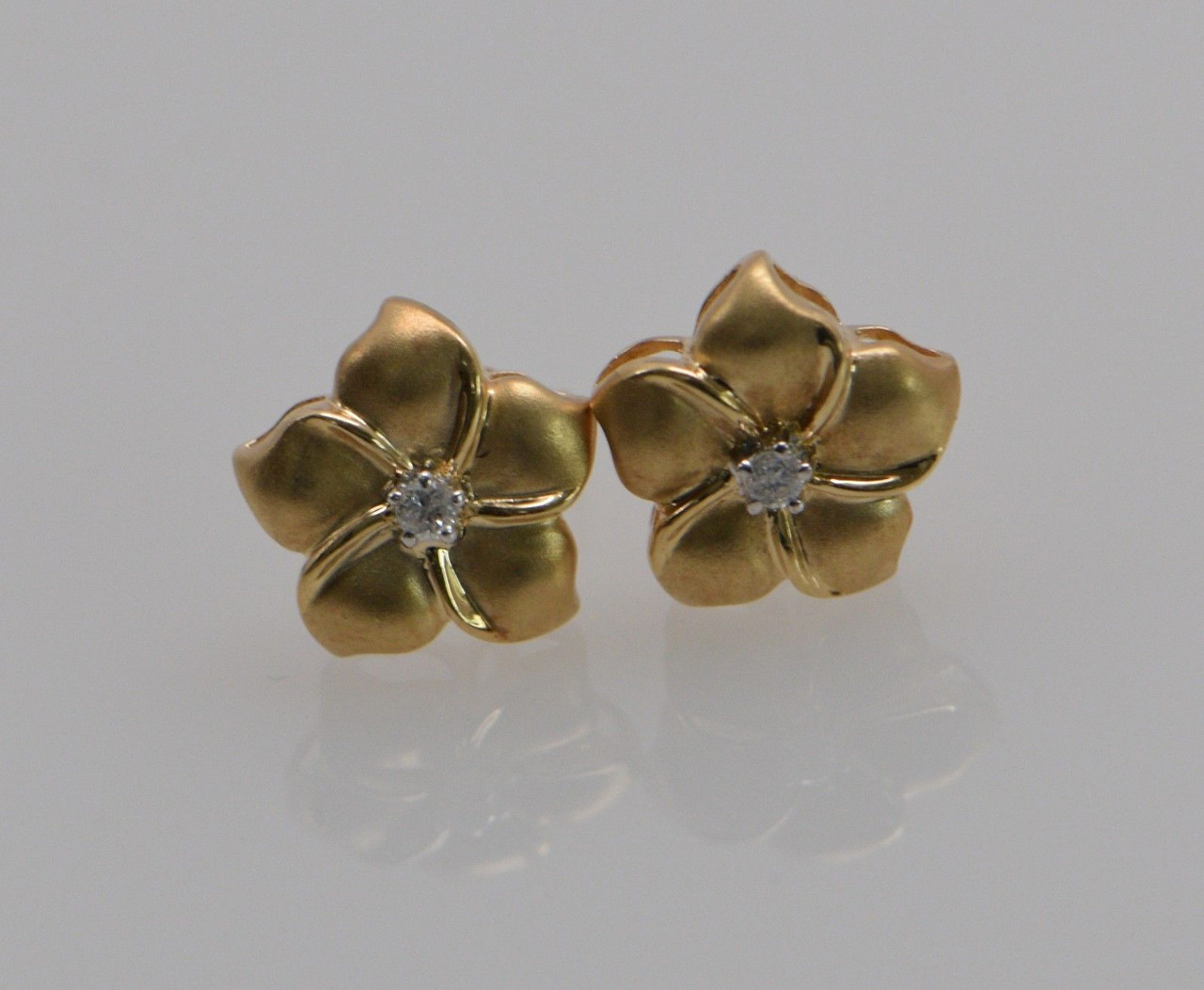 Free Shipping Front Flower Cutout Bronze Tone Etched Flower Center Earrings Beautifully Etched Flower back #72 Center Crystals
