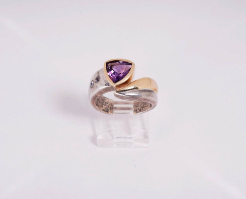 10.1 Gr. 14K Yellow Gold and Sterling Silver Amethyst Ring, size 7