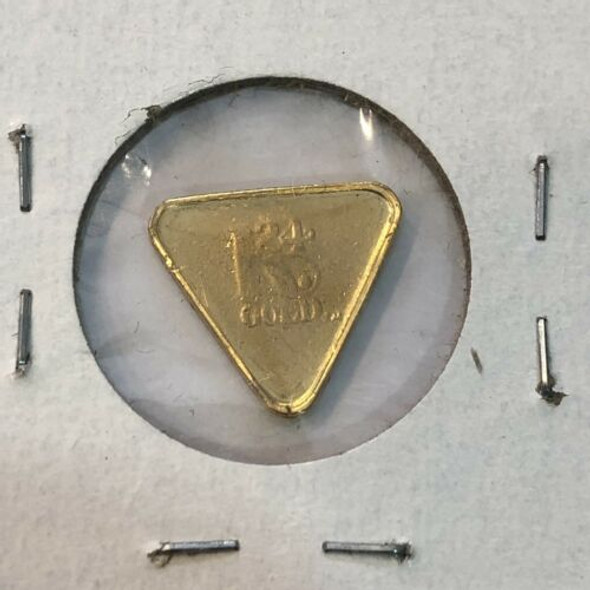 Suisse Triangular 2 Gram Gold, 9999 Gold, Number 03016