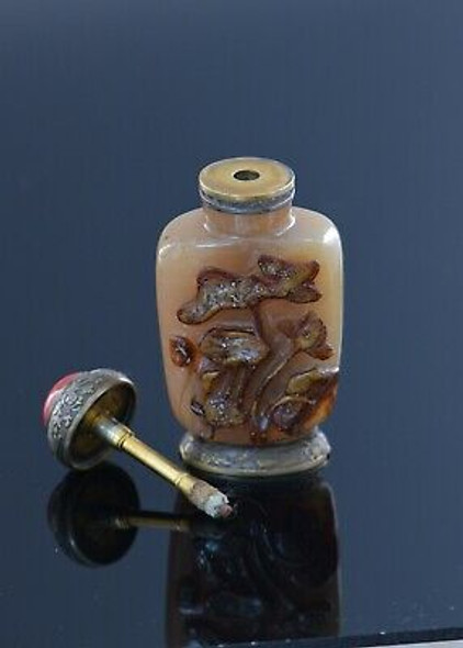 "Vintage ""Farmer"" Chinese Snuff Bottle Cameo Agate Striker lighter, Circa 1920"