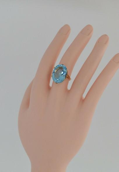 9K yellow Gold English Blue Topaz Ring, Size 7
