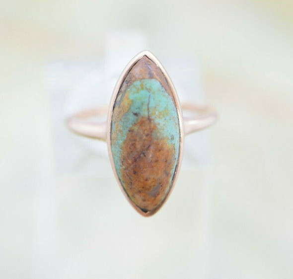 Vintage 14K YG Turquoise Navette Cabochon Ring, Size 6, Circa 1950