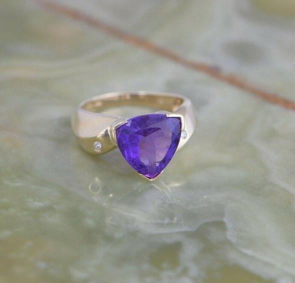 14K YG Amethyst & Diamond Accent Ring, Size 6.75, Circa 1990