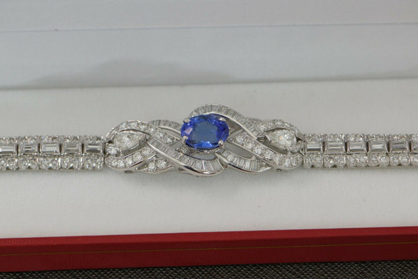 Superb Diamond and Tanzanite Platinum bracelet 12 ct tw est Circa 1960 6.5 inch