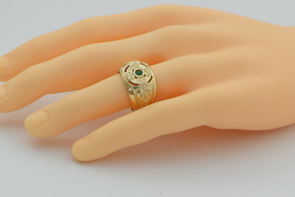 14K Man's YG Celtic Ring with Emerald Center Size 9.5,Circa 1990s