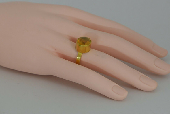 22K YG Handwrought Star Ruby Cabochon Ring Size 4 Circa 1980