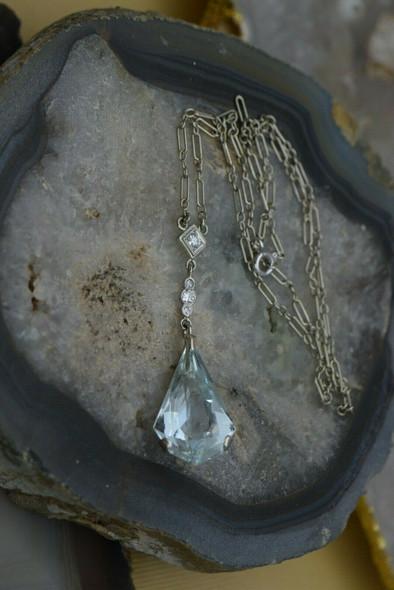 18K White Gold Vintage 10 ct + Aquamarine and Diamond Pendant w/Chain, 1950's