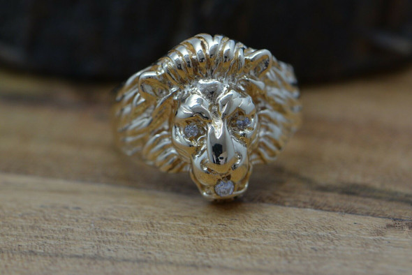 Vintage 14K YG Lion Ring with Diamond Eyes and Mouth Size 8 Circa 1960