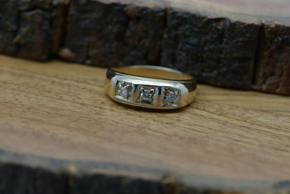 Vintage 14K Yellow Gold 3 Stone Diamond Ring 1/3ct tw est Size 13+ Circa 1960