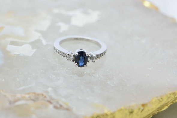 14K White Gold Sapphire and Diamond Ring Size 6.25 Circa 1990