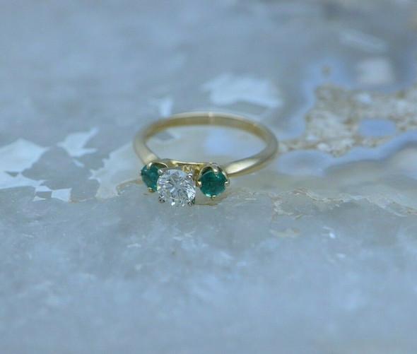 14K YG Diamond and Emerald 3 Stone Ring Size 6.25