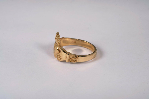 14K Yellow Gold Claddagh Ring with a Diamond Chip, Size 9.75