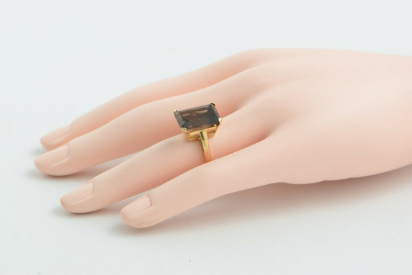 10K Yellow Gold Smoky Quartz Ring in Basket Setting size 5.75 Circa 1970