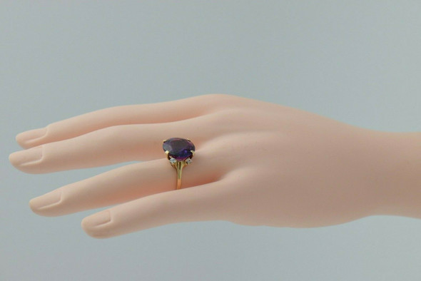 10K Yellow Gold Round Synthetic Alexandrite Ring 14mm round Size 7 Circa 1980
