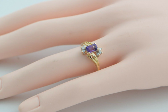 14K Yellow Gold Amethyst Diamond Accent Ring Bypass Shank Size 8 Circa 1990