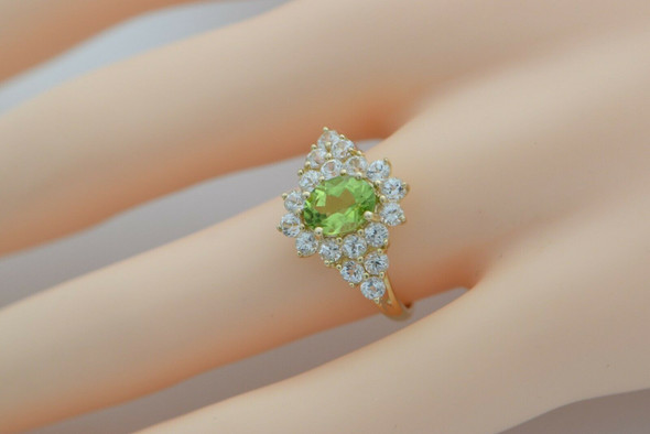10K Yellow Gold Peridot and White Sapphire Ring Size 7 Circa 1990
