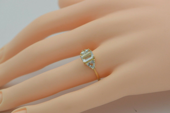 14K Yellow Gold Aquamarine 3 Stone Ring Size 6 Circa 1980
