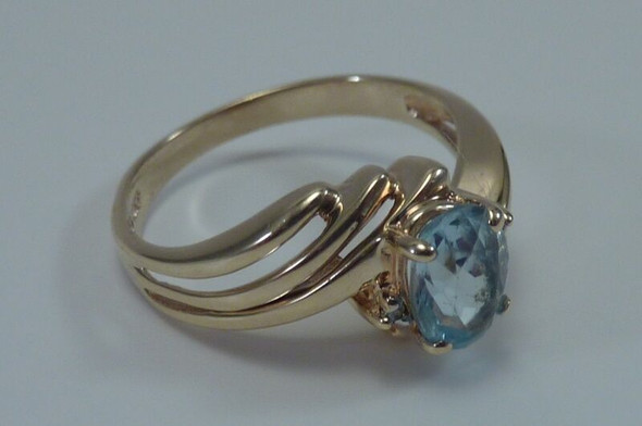 10K Yellow Gold Aquamarine Ring, Size 6.5