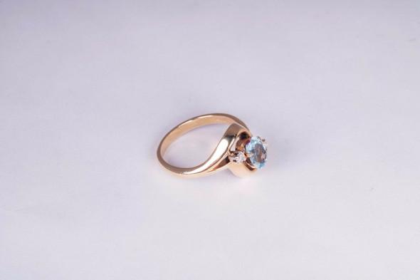 14K Yellow Gold Aquamarine and Diamond Ring, size 8.5