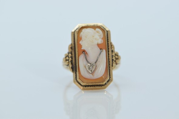 10K Yellow Gold Cameo Ring with Ornate Metal Work, size 5.5