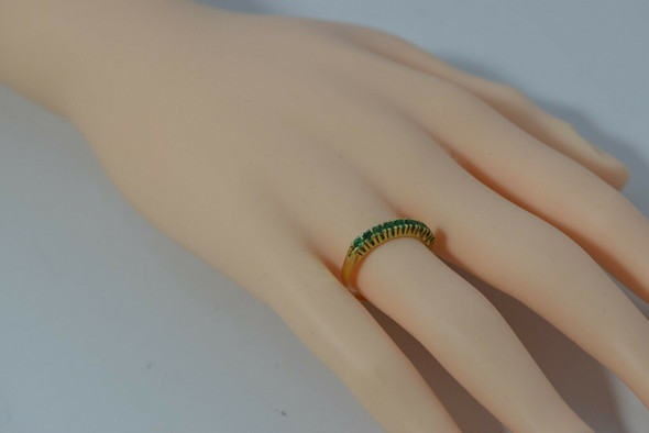 18K YG Single Row Emerald Ring Size 7.5 Circa 1970