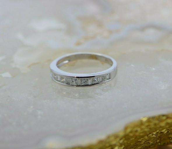 14K White Gold Diamond Band Size 5.75 Circa 1990