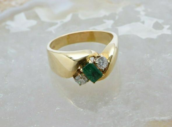 14K Yellow Gold Emerald and Diamond Ring Size 8.5 Circa 1990
