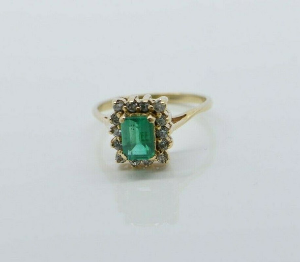 Vintage 14K Yellow Gold Chatham Emerald Diamond Halo Ring Size 7 Circa 1980