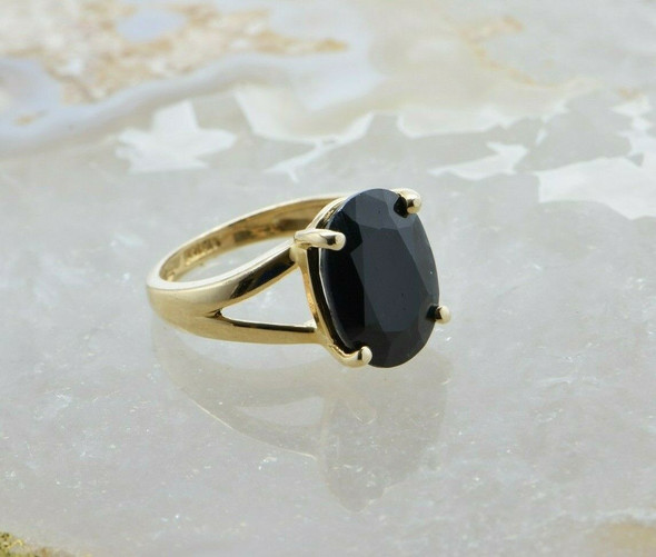 14K Yellow Gold Large Oval Sapphire Ring Size 6 Circa 1980