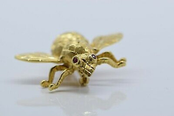 18K Yellow Gold Bee Pin with Ruby Eyes, Circa 1960