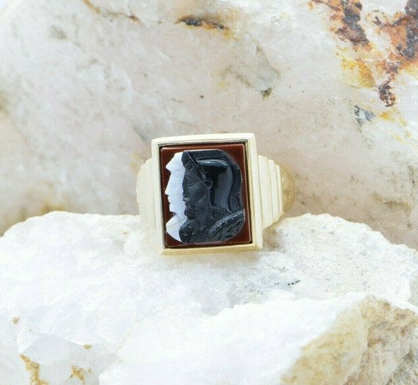 10K Yellow Gold Agate Cameo Ring Carved Roman Pair of Soldier Portraits Size 10