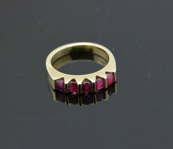 14K Yellow Gold 1 ct tw Ruby 5 Stone Ring Size 6.25,Circa 1980