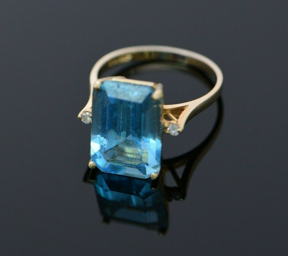 14K YG Large Blue Topaz Rectangular Cut with Diamond Accent Ring Size 6.5