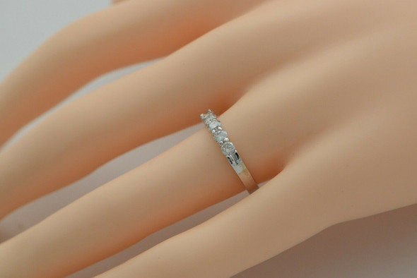 14K WG 1/2ct tw. Diamond 5 Stone Anniversary Band Size 7
