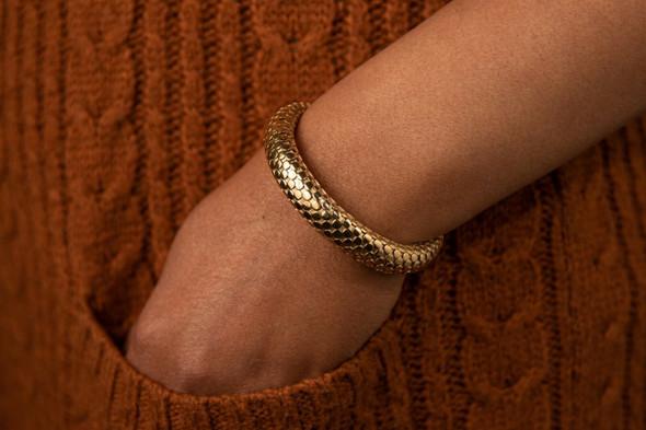 18K Yellow Gold John Hardy Snake Bangle (Hinged), Circa 1990 w/ Original Pouch