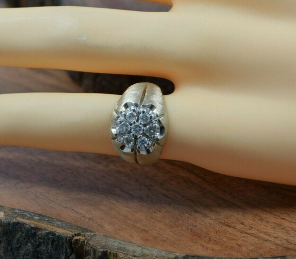 14K Yellow Gold Diamond Ring with 7 Round Stones Size 7 Circa 1960