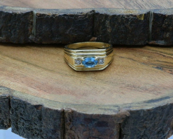 10K Yellow Gold Blue Topaz and Diamond Ring Size 11 Circa 1990