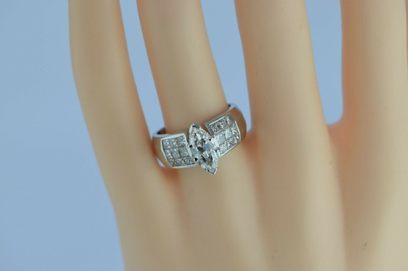 Superb 18K White Gold Marquise Engagement Ring Size 7.5