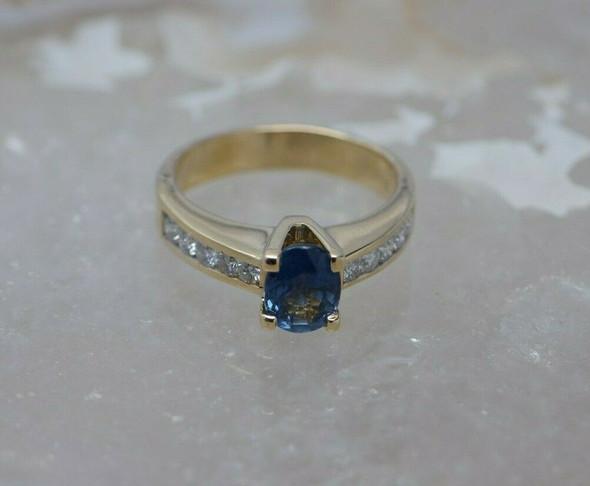 14K Yellow Gold Oval Sapphire & Diamond Ring Size 7 Circa 1990