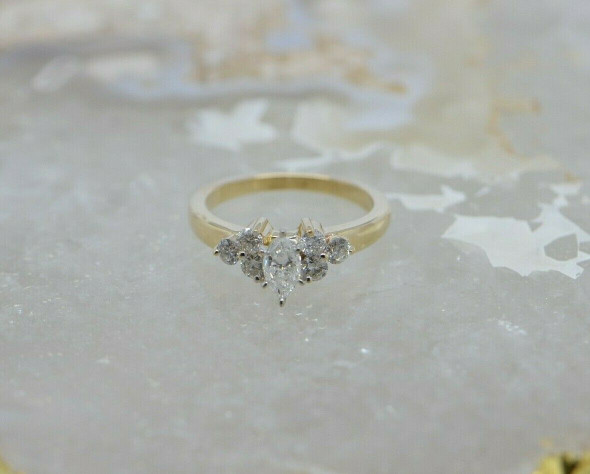 10K YG 1 ct tw. Marquise & Round Diamond Cluster Ring Size 7 Circa 1970